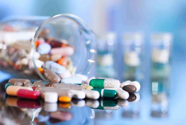 Lạm dụng kháng sinh là một cách điều trị sai lầm của nhiều chị em