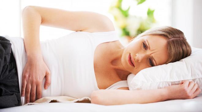 Viêm lộ tuyến cổ tử cung gây nên những cơn đau khó chịu cho chị em phụ nữ
