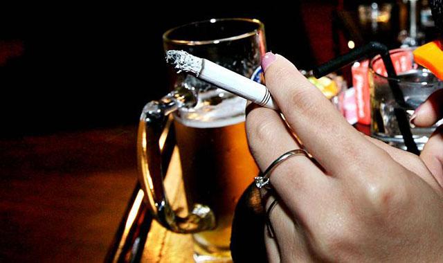 Không hút thuốc lá rượu bia để phòng ngừa bệnh