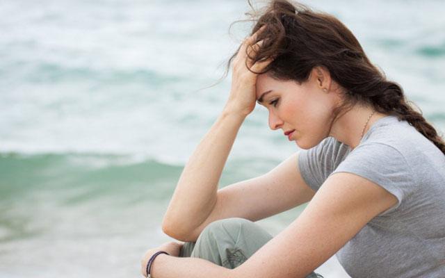 Khô âm đạo là biểu hiện của rối loạn nội tiết tố