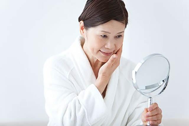 Mãn kinh là giai đoạn lão hoá tự nhiên ở phụ nữ